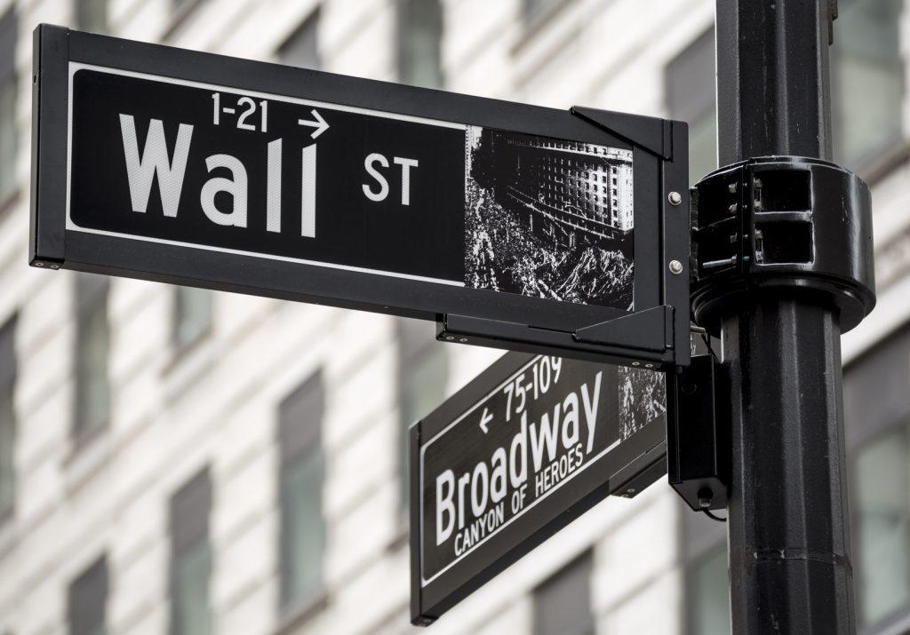 Investire in azioni: cosa significa, come si fa e conviene ancora?